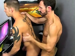 Twinks XXX Bryan Slater Caught Jerking